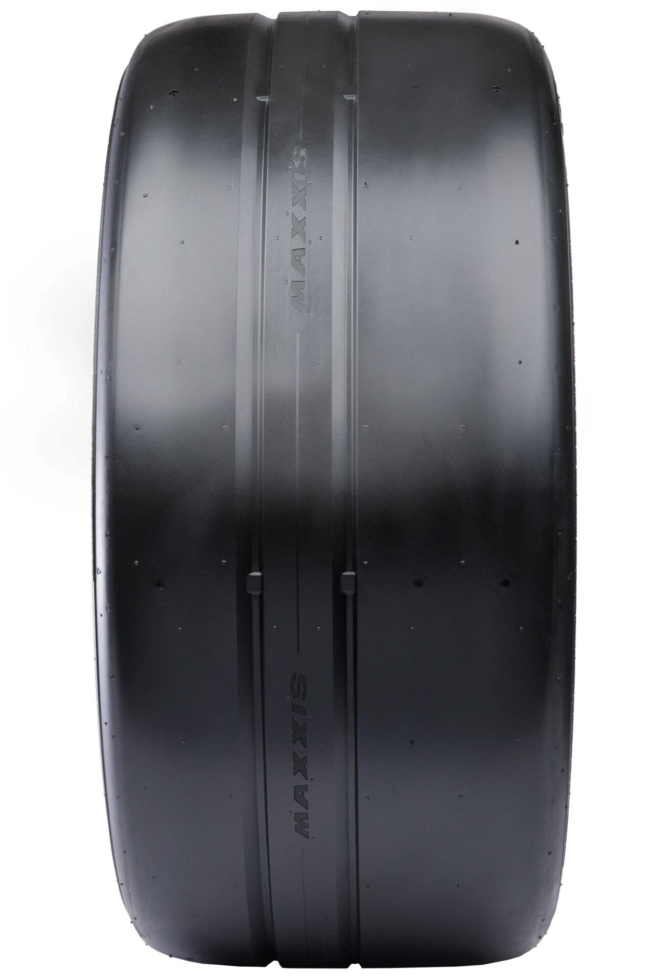 Maxxis Victra RC-1 tire tread